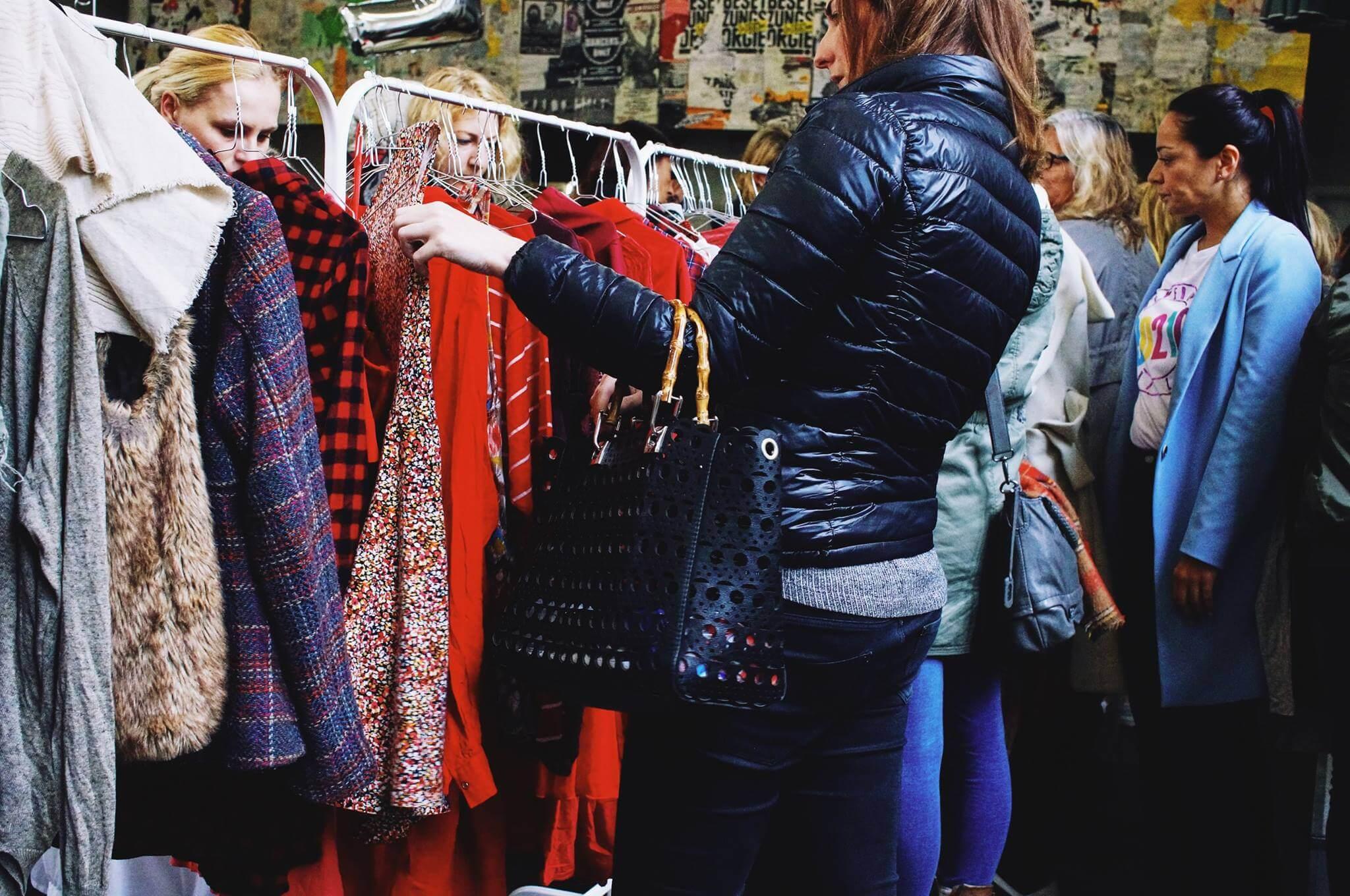 Ladies aufgepasst! Der Love Garments Market hält Kleidung ...