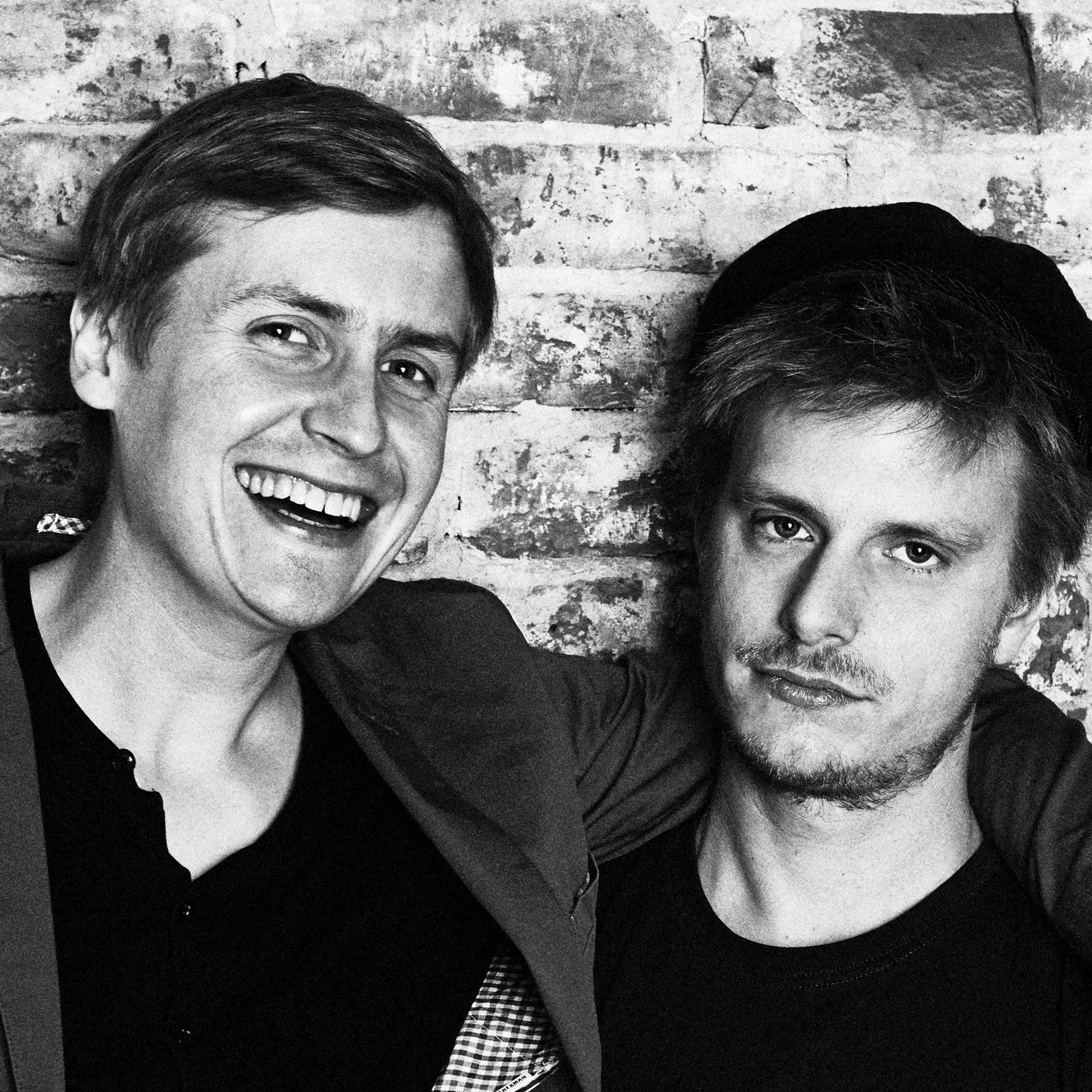 Schund und Asche: Zwei Entertainer testen ihre Schlagfertigkeit im Duell!