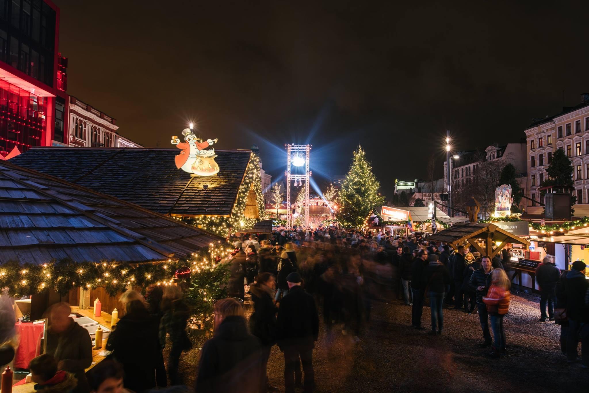 St Pauli Weihnachtsmarkt öffnungszeiten.Der Wohl Verrückteste Weihnachtsmarkt öffnet Seine Tore Santa Pauli