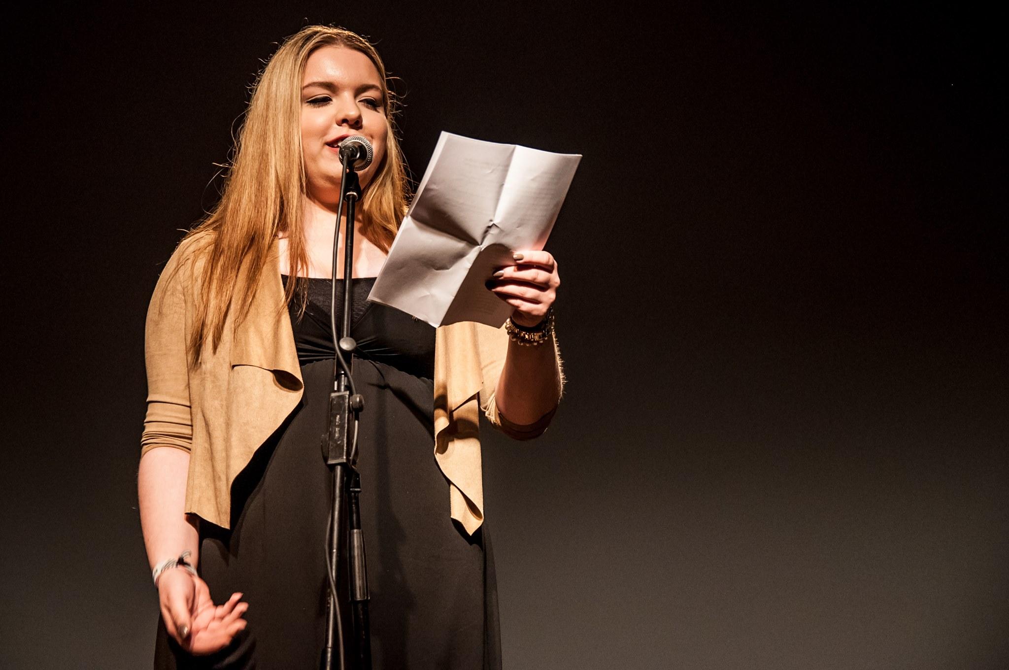Beim Best of U20 Poetry Slam treten die jungen Wilden auf.