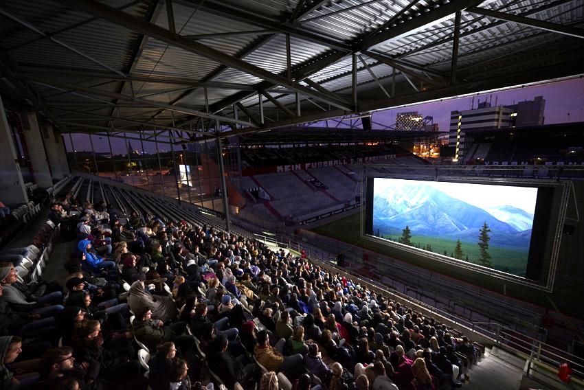 VERLOSUNG 🎉 Es gibt 5×2 Tickets für das St. Pauli-Sommerkino zu gewinnen!