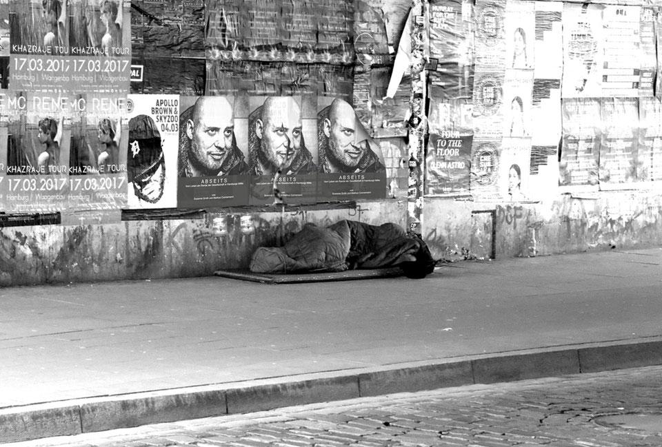 """""""Schattenseiten in den Städten"""" schafft Bewusstsein für das Leben auf der Straße."""