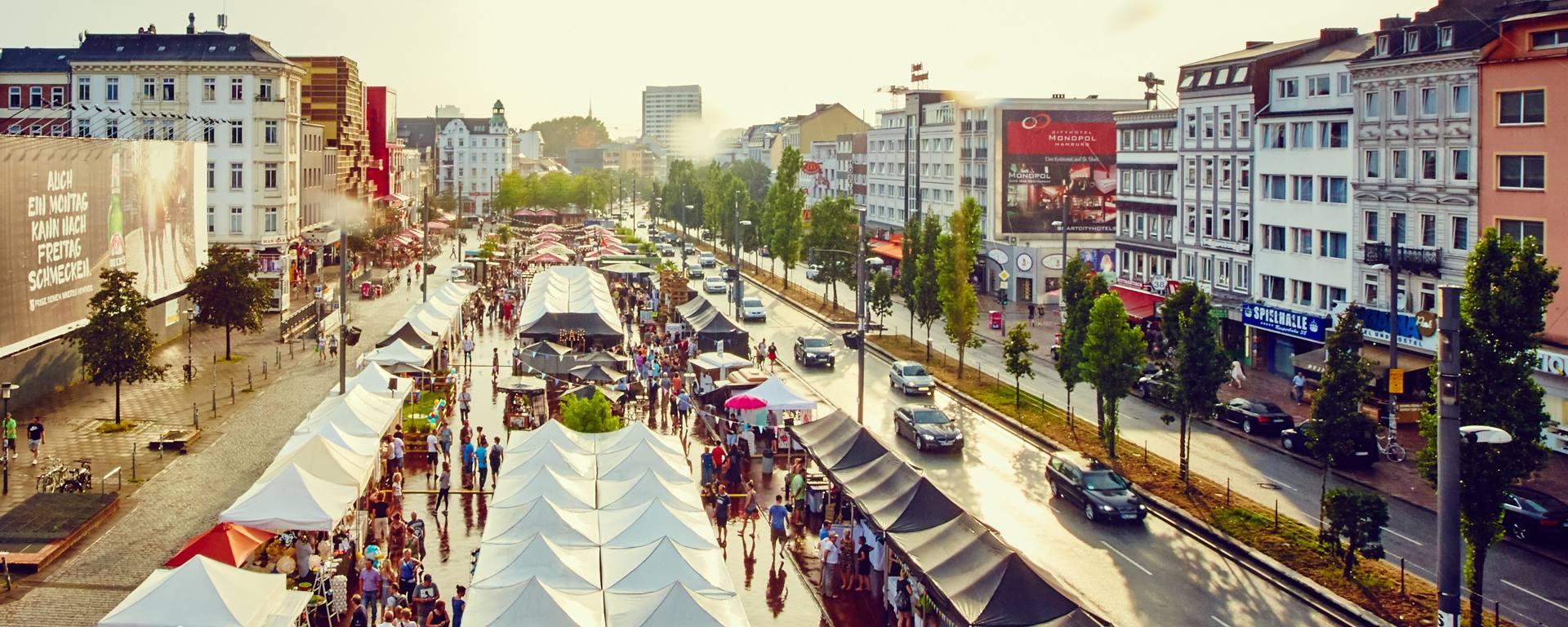 Der Viertel Meile Design Markt löst mal kurz das Partytreiben auf dem Kiez ab!