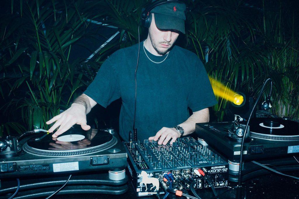 Allerlei großartige DJ's machen sich auf den Weg ins PAL!