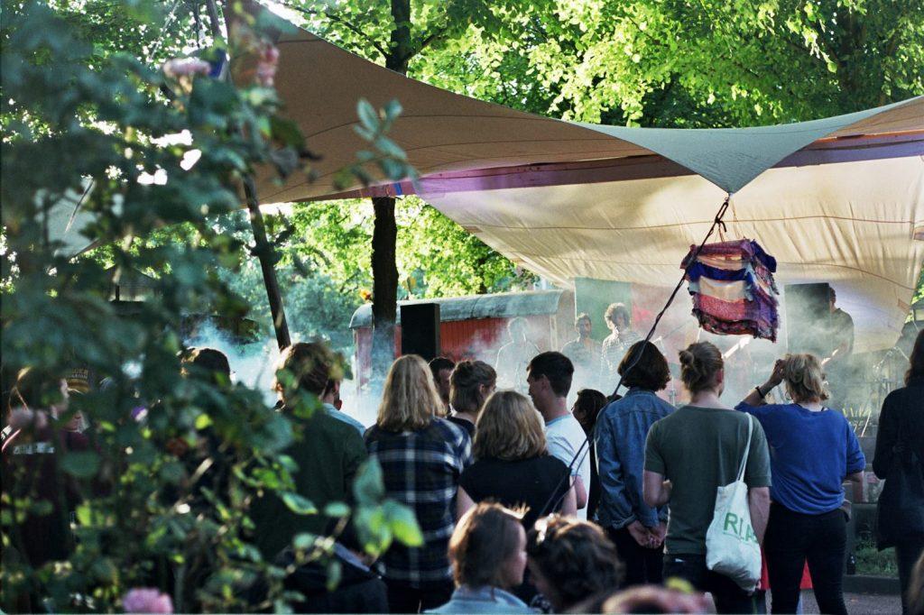 Von aal bis fux – das Sommerfest im Helenenviertel mit Flohmarkt und Party!