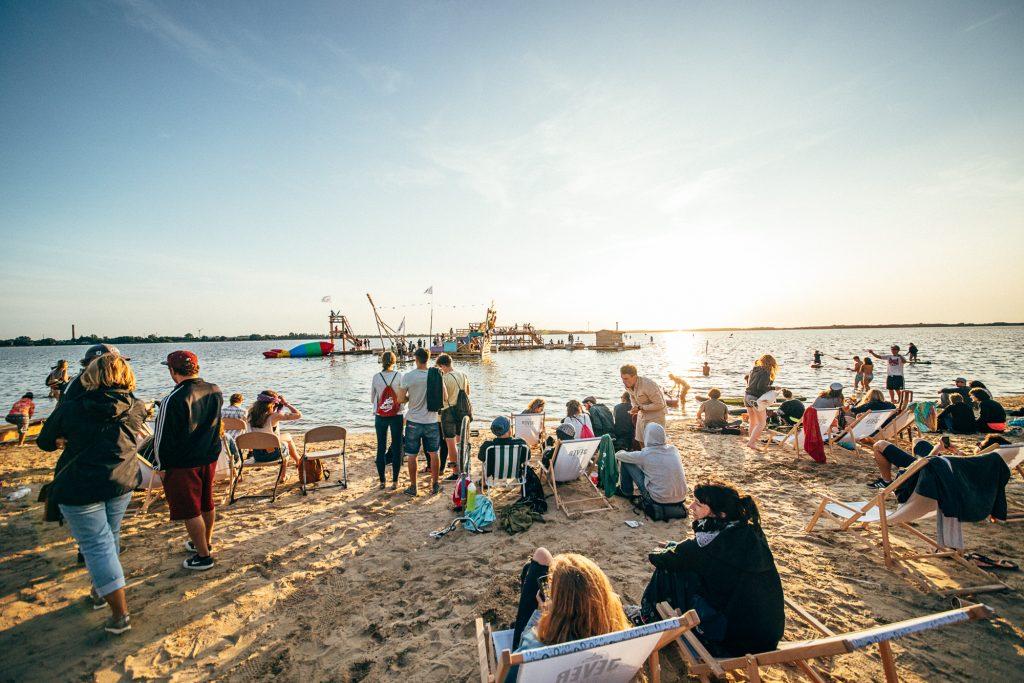 VERLOSUNG 🎉 Wir verlosen 2×2 Tickets für das Pangea Festival (23.-26.8!) in Pütnitz!