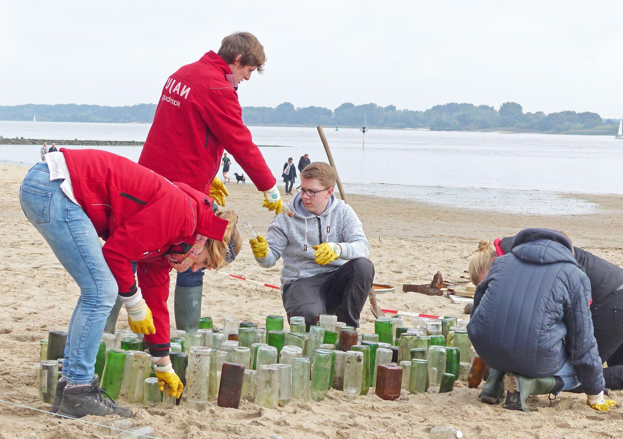Keine Lust mehr, im Müll zu baden? Dann mach beim Coastal Cleanup Day mit! 👌