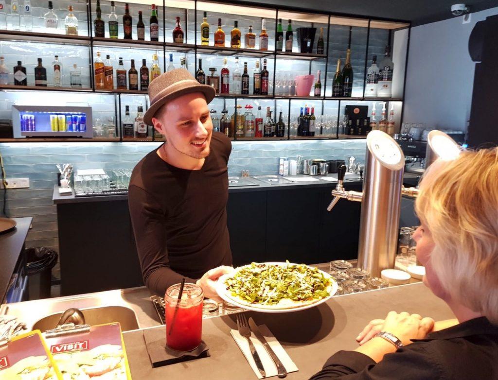 Im Restaurant VISIT bekommst du tolle Neueröffnungsrabatte mitten im Uni-Viertel!