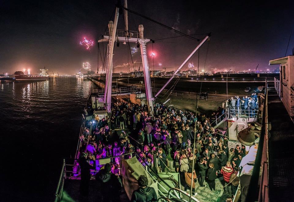 Techno auf dem Boot bei der MS Klubnacht mit Matt Morra & Nic Araújo!