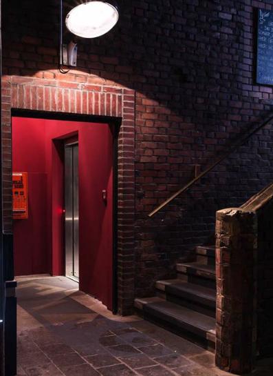 die superbude zelebriert diesen fantastischen ersten freitag des jahres aino hamburg. Black Bedroom Furniture Sets. Home Design Ideas