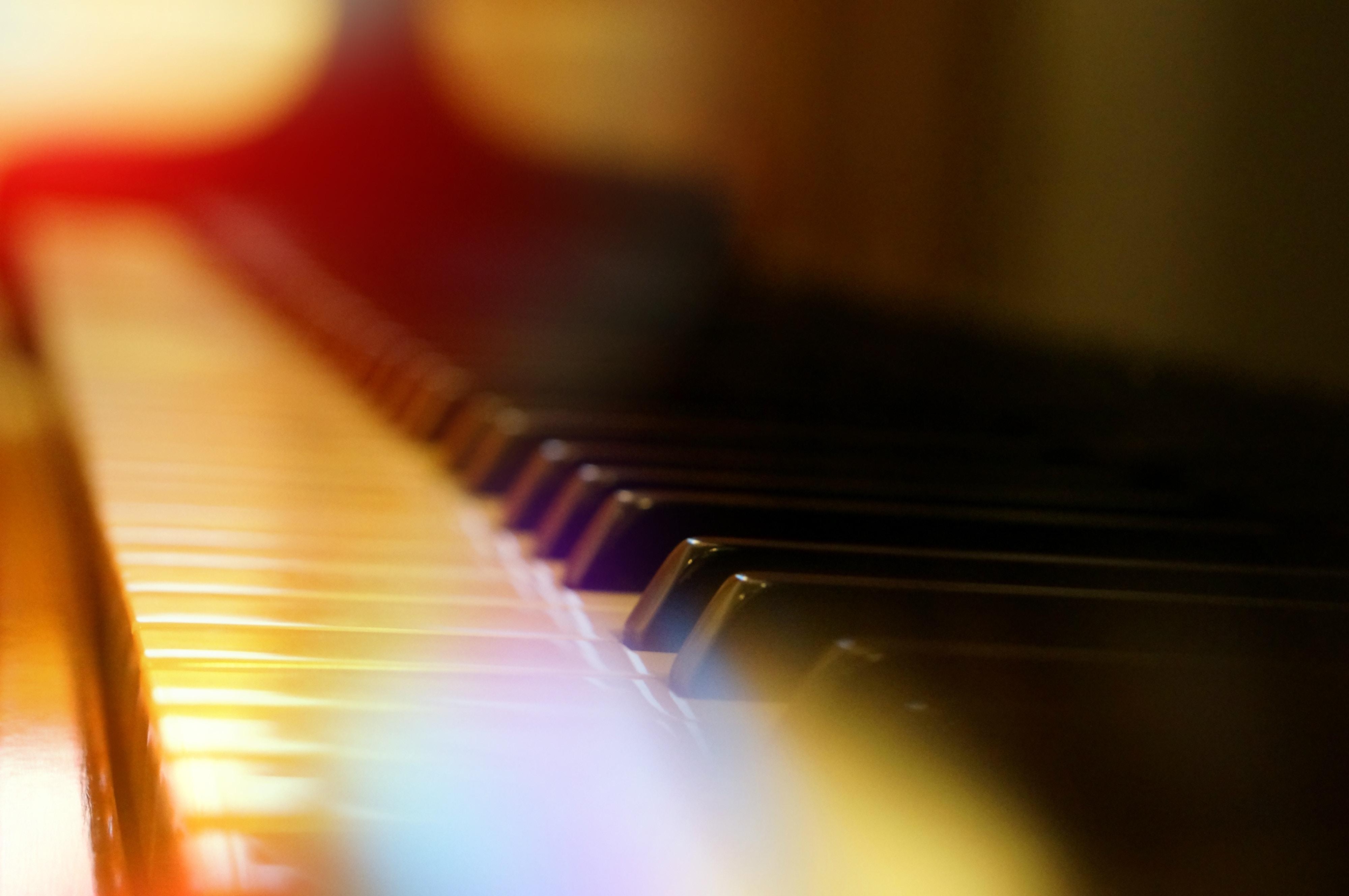 Das Open Piano wartet mit Begleiter & Gin Tonic Special auf dich!