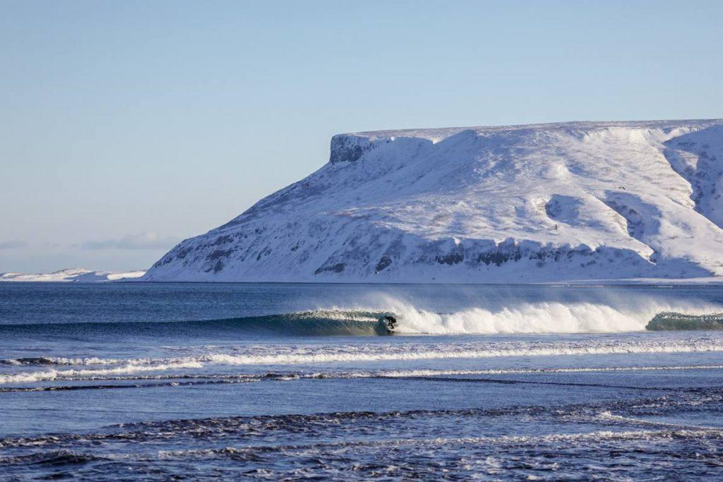 Die Surf Film Nacht geht surfen in Russland bei eisiger Kälte!