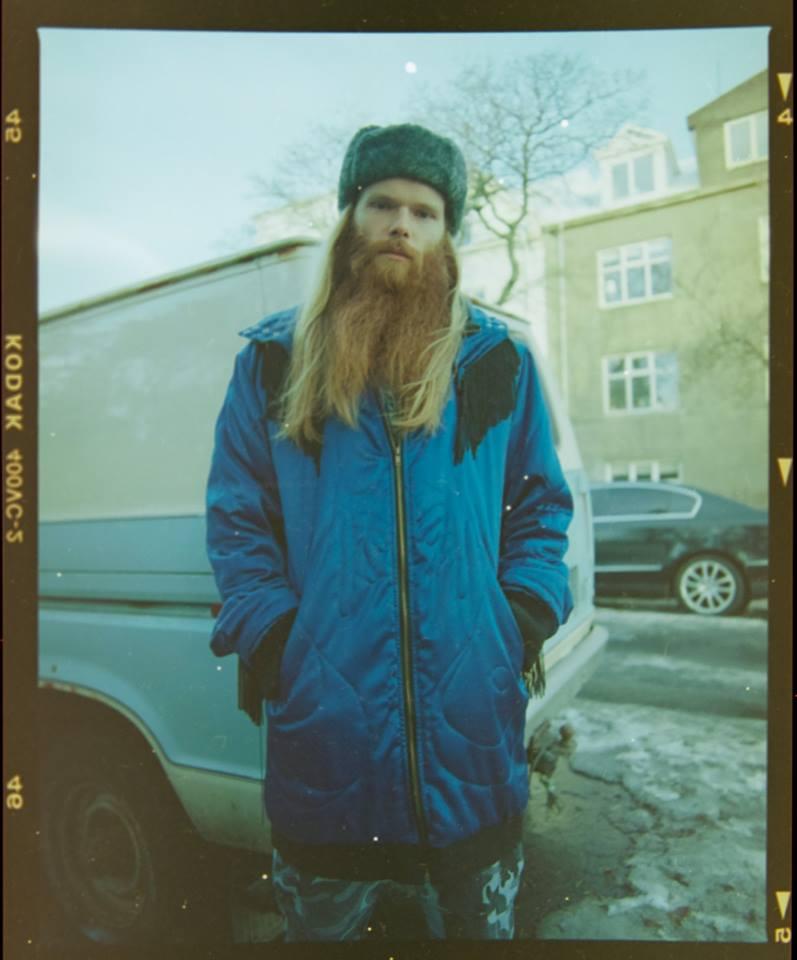 Teitur Magnússon spielt wunderbaren Alternative Folk.