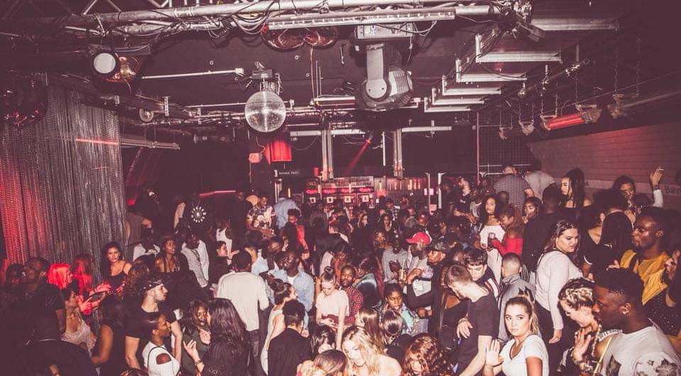 Die Party Dancehall Run Up wird rhythmisch und verdammt heiß! 🔥
