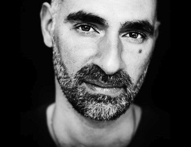 Fliege mit DJ Len Faki in den Techno-Himmel!