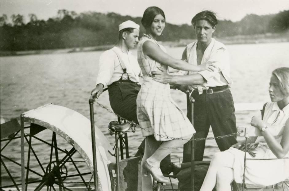 """Verpasse nicht die Gelegenheit, den Film """"Menschen am Sonntag"""" (1929) zu sehen!"""