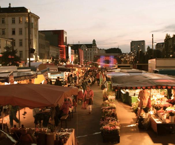 Der St. Pauli Nachtmarkt ruft alle Leckermäulchen auf die Straße!