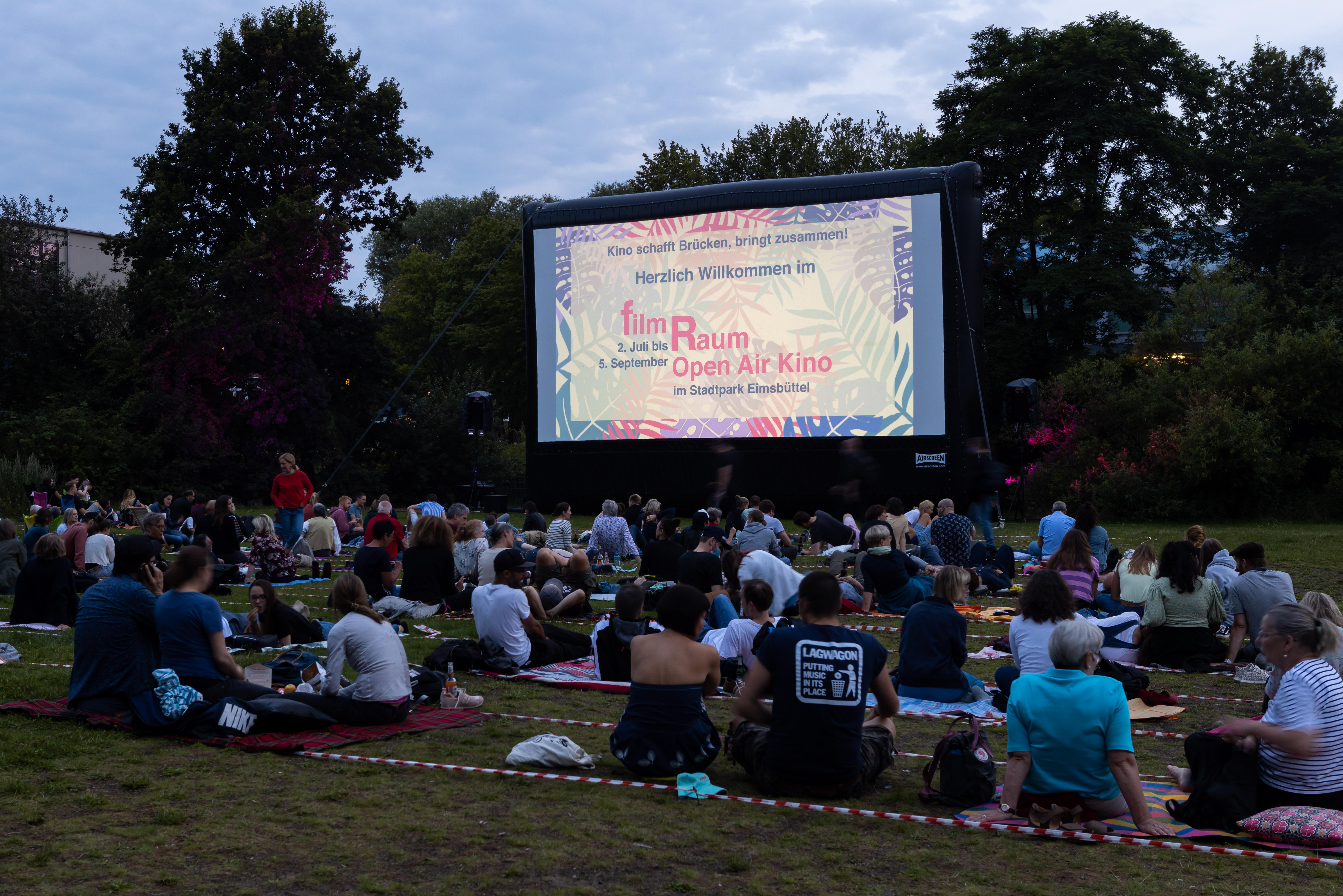 Das FilmRaum Open Air Kino bringt uns zusammen! Diesmal läuft Undine.