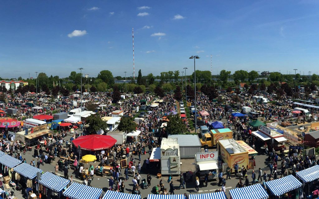 Beim riesigen Flohmarkt kannst du 9 Stunden lang shoppen!