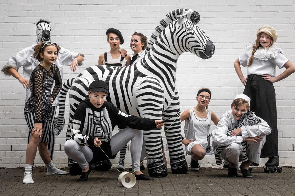 Zebraville erzählt Zirkusgeschichten aus der Stadt, die niemals schläft!