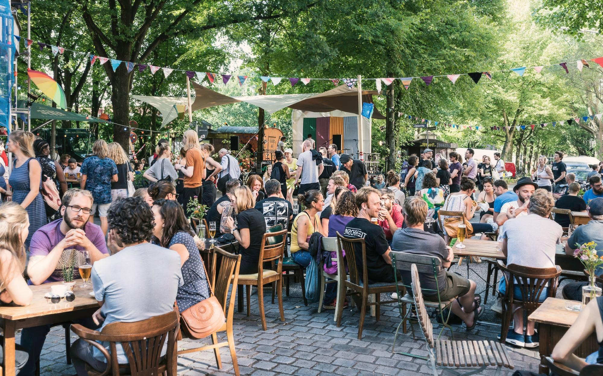 Das Aalfest vereint Filme, Musik & Essensglück zum Straßenfest!