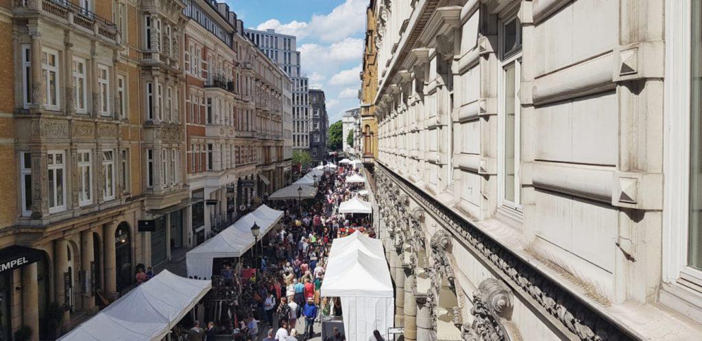 Beim Colonnaden Antique & Design Market kannst du schicke Teile ergattern.