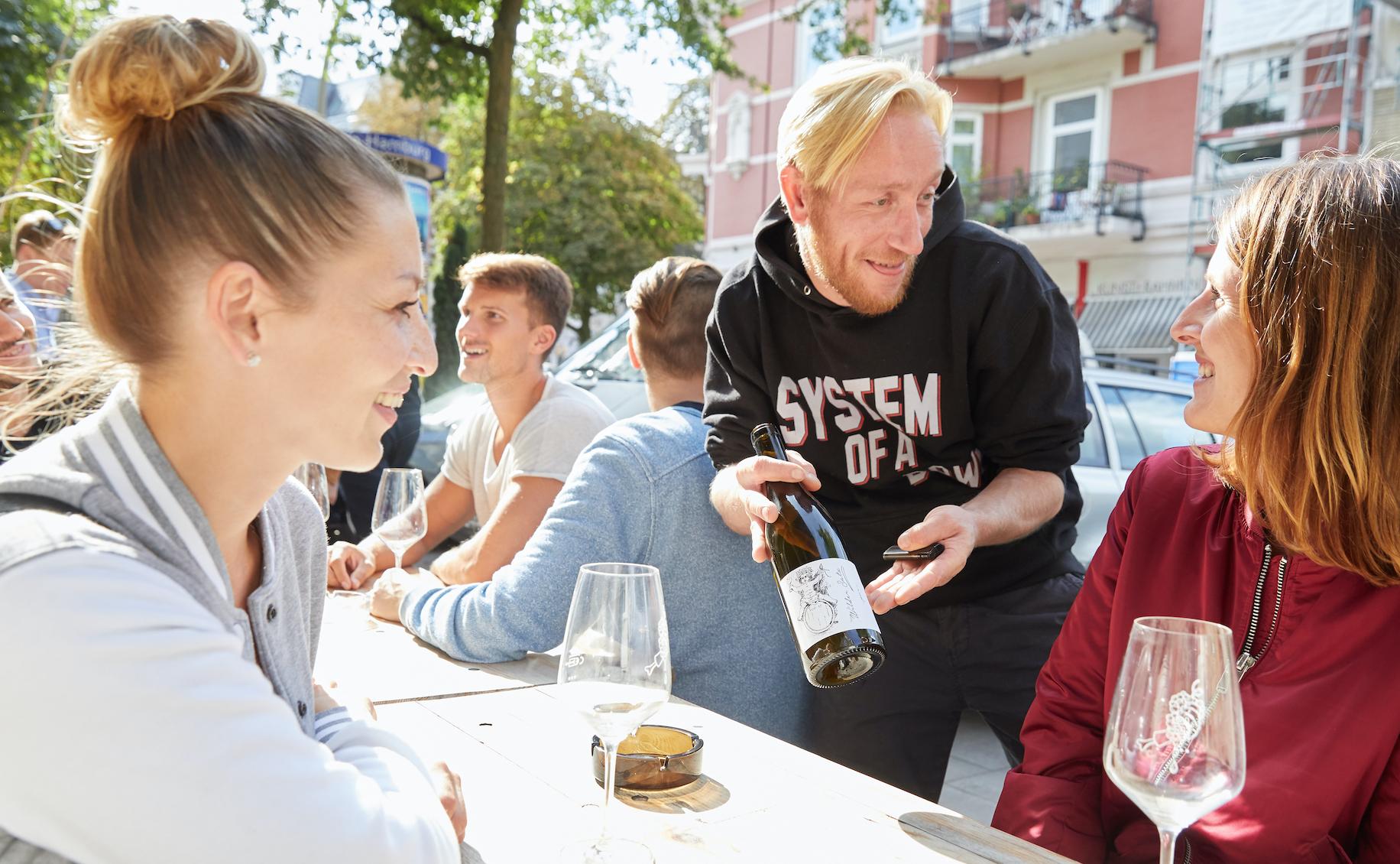 Verkoste fantastische deutsche Weine beim Tag des offenen Weins.
