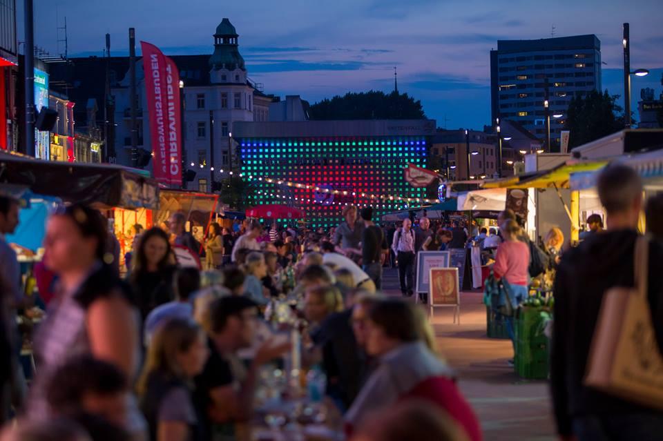 Streetfood & regionale Lebensmittel mitten aufm Kiez: der St. Pauli Nachtmarkt.
