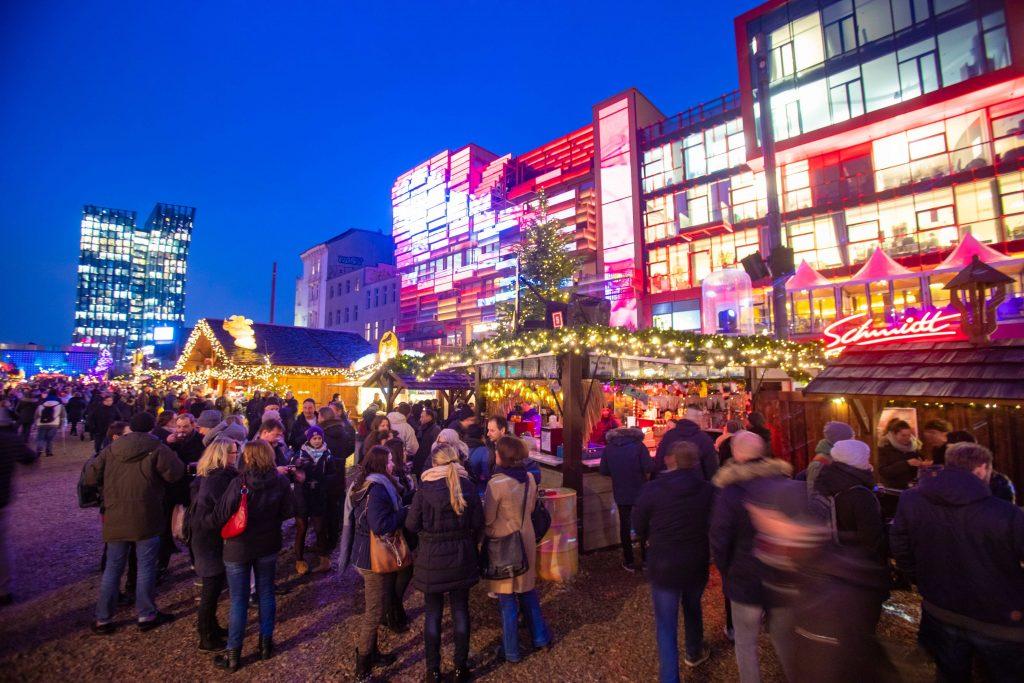 Der Weihnachtsmarkt Santa Pauli lockt dich auf die sinnlichste Meile der Stadt!