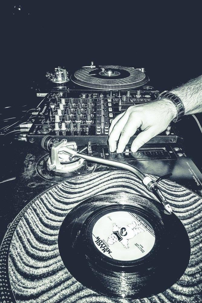 Egal ob Live oder von der Platte: Dich erwartet Funk die ganze Nacht!