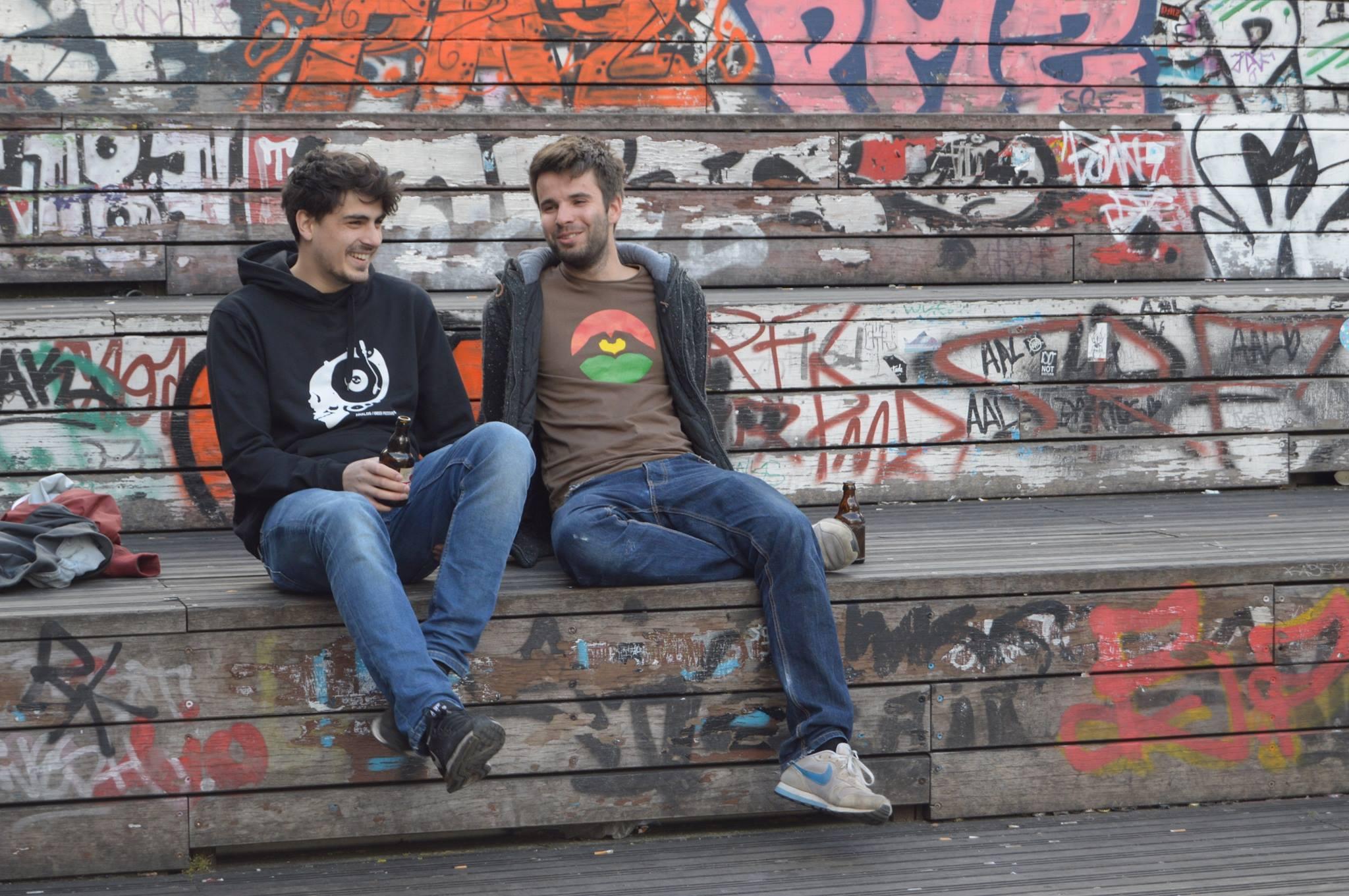 Eine genüssliche Live-Accoustic-Session mit Jan Salander & Tarek erwartet dich.