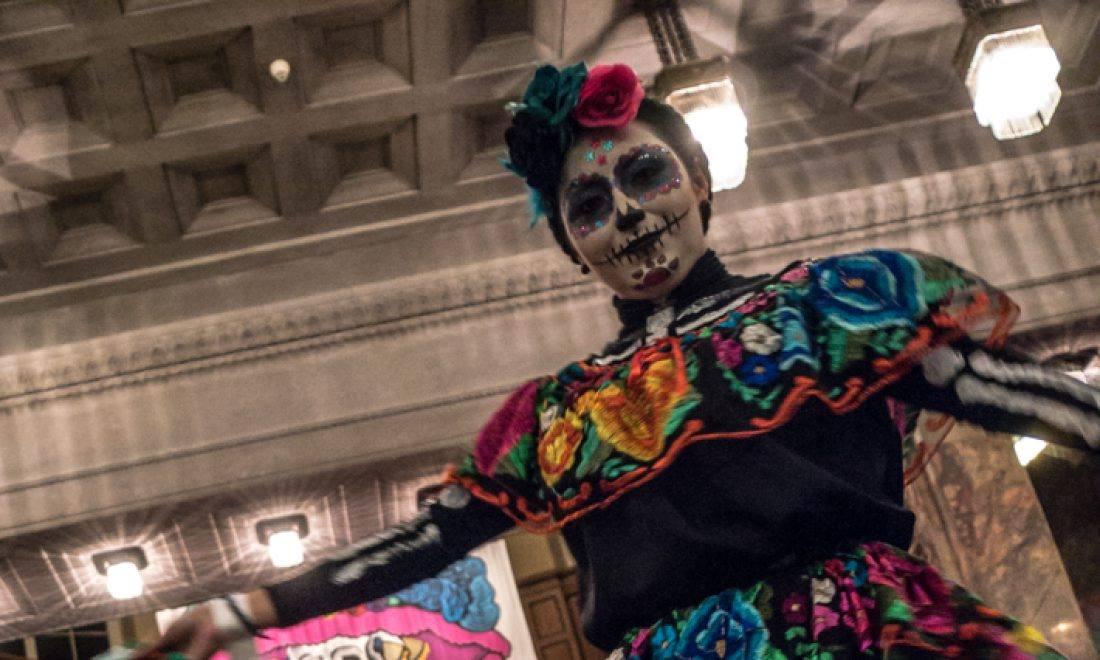 Das Mexikanische Totenfest lädt zu Musik und Köstlichkeiten ein!