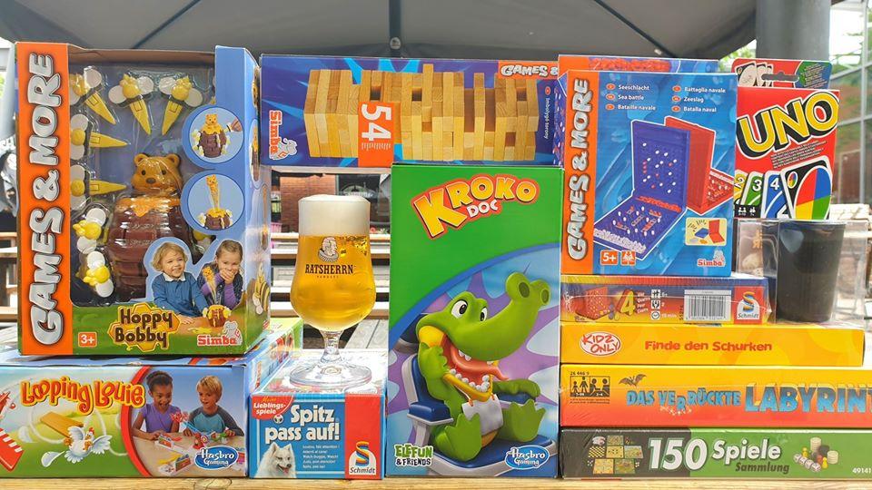 Spielen bis die Finger wund sind: 90s Game Night in der Ratsherrn Bar.