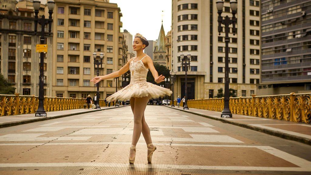 Sie können ihre Schritte nicht sehen, aber den Tanz umso mehr fühlen.