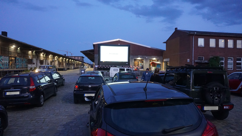 """Der Hamburger Film """"Fisch für die Geisel"""" läuft im Autokino."""