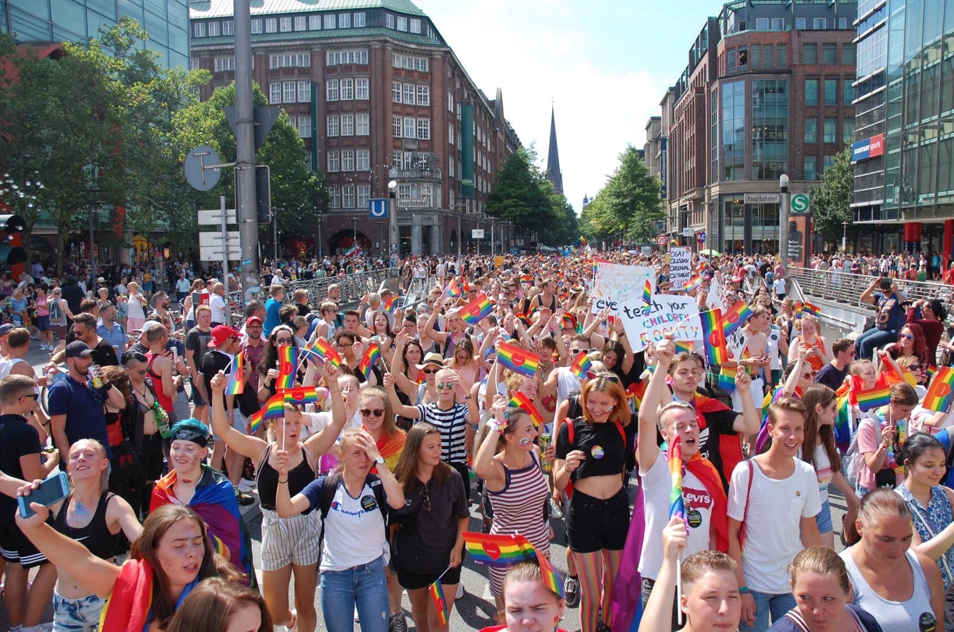 Spannende Themen und coole Talks gibts wöchentlich bei Hamburg Pride.