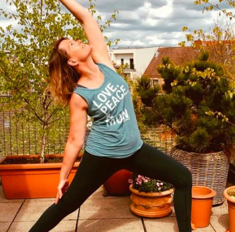Starte den Tag entspannt mit Sunday Morning Yoga.