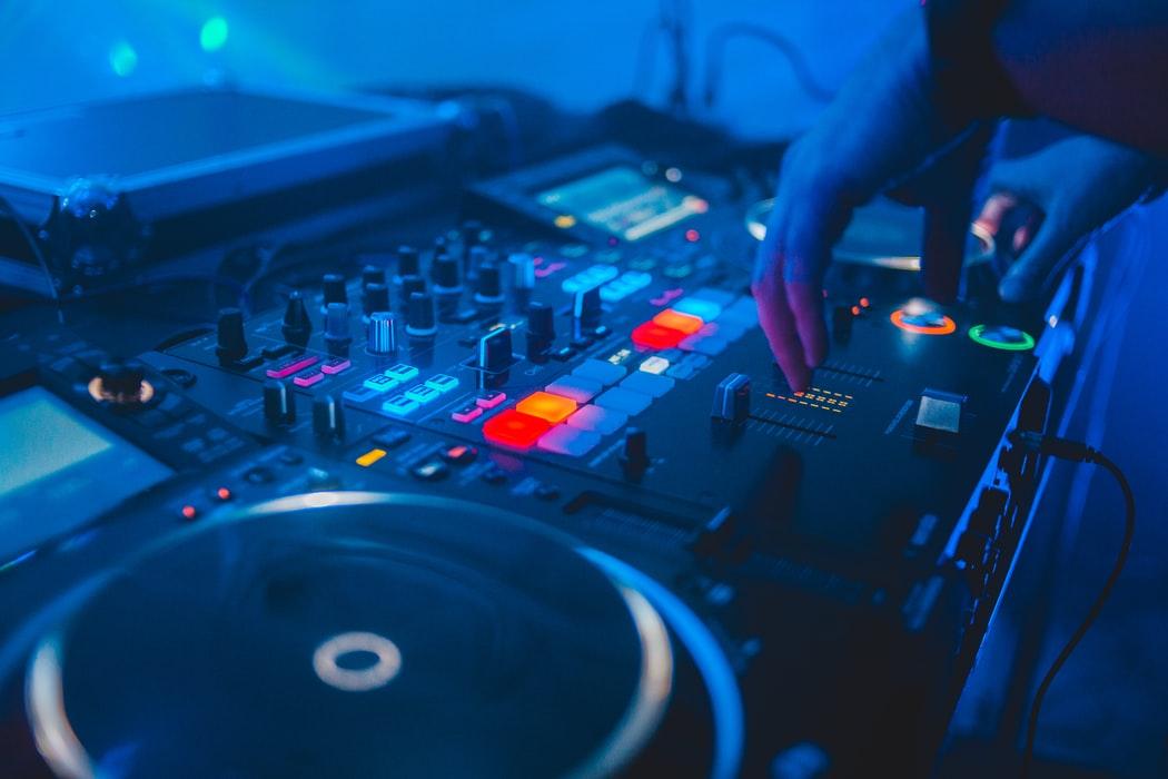 MEIN NAME IST HASE zeigt 24 Stunden lang DJ-Sets vom letzten Jahr.