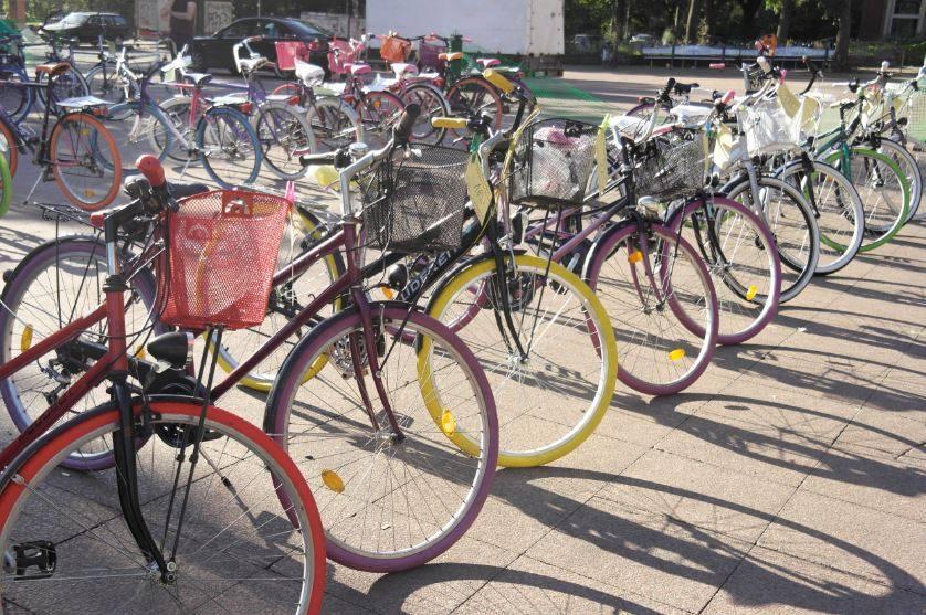 800 gebrauchte Fahrräder für nen schmalen Taler? Ab zum Fahrradmarkt.