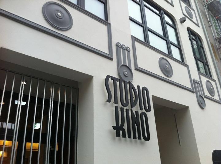 Endlich wieder von der Sneak Preview im Studio-Kino überraschen lassen!