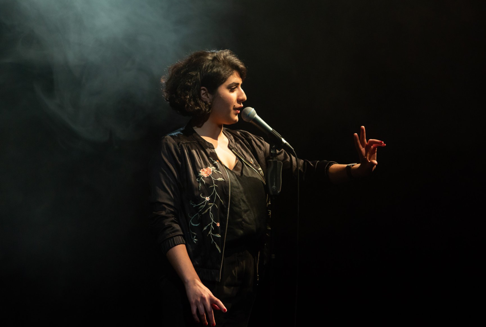 Best of Poetry Slam versüßt dir bei Draußen im Grünen den Abend.