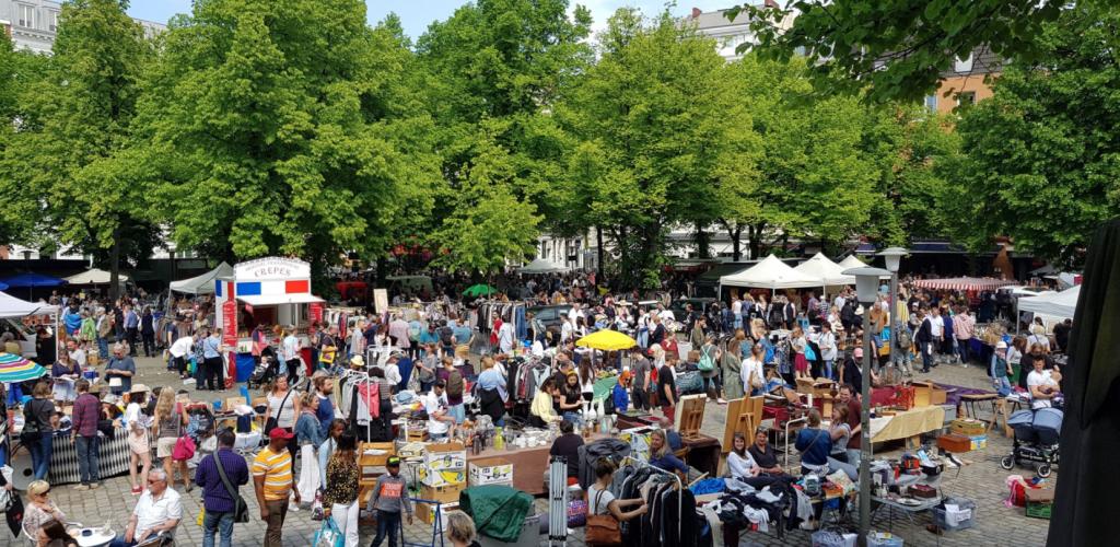 Ein herbstlicher Spaziergang über den Flohmarkt am Großneumarkt klingt toll.