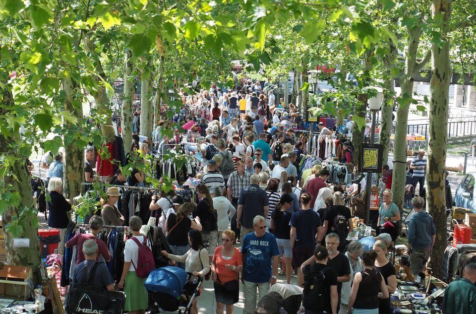 Der Herbstflohmarkt auf der Michelwiese lockt mit tollen Schätzen.