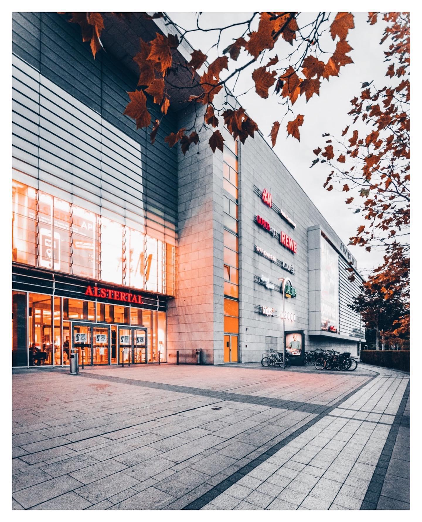 Raus aus der Stadt und ab zum Antikmarkt im Alstertaler Einkaufszentrum.