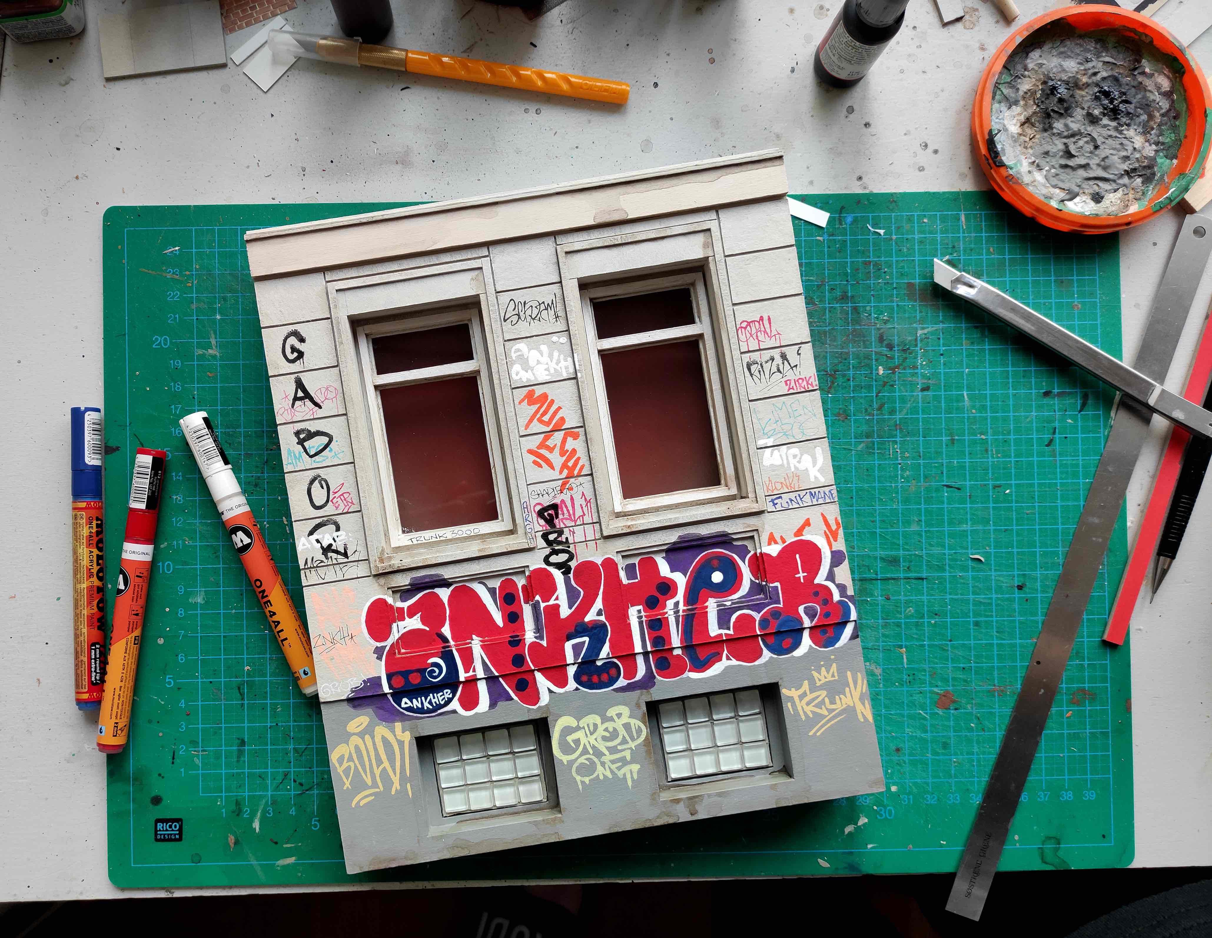 """Neues aus der Urbanshit Gallery: """"small Vandalism"""" – urbane Miniaturwelten."""
