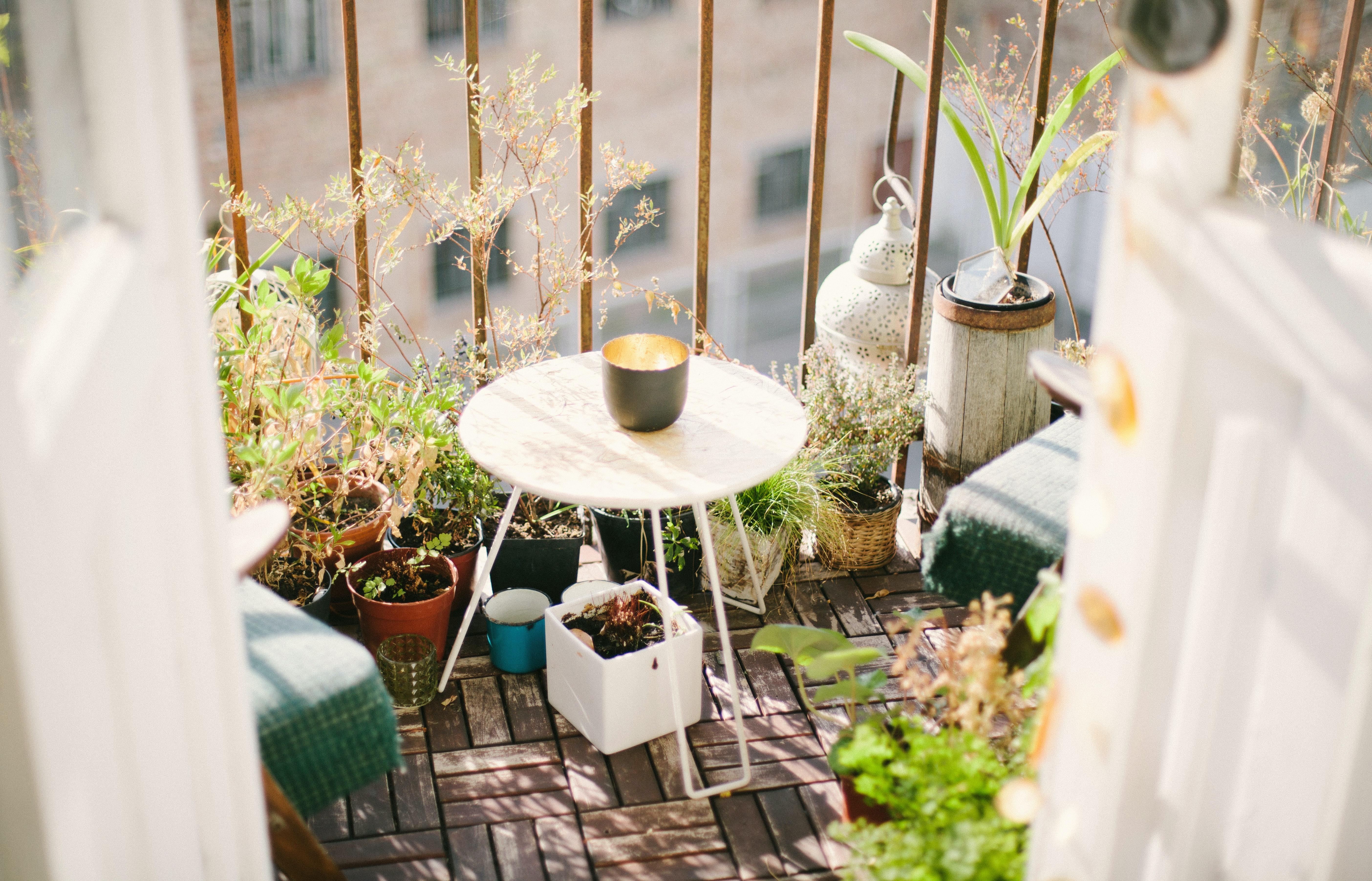 Zeit, den Balkon herzurichten – geh doch mal unter die Tischler!