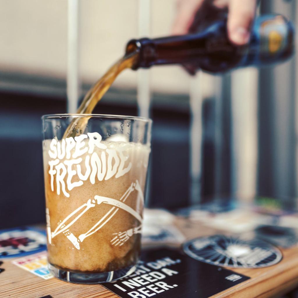 Ein super Abend mit super Freunden – und Super Craft Beer.