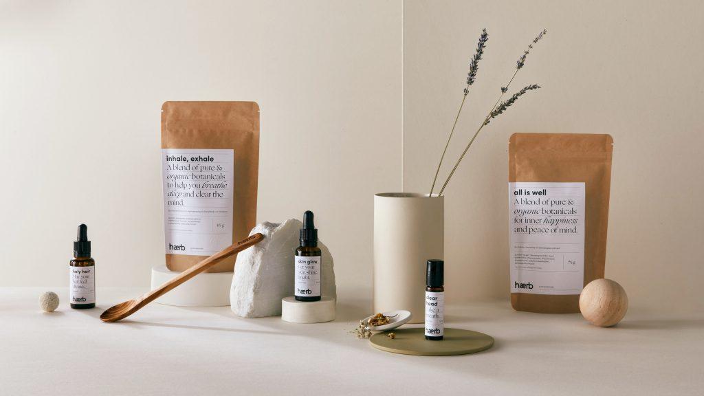 """🎉 Wir verlosen 3 x 1 Wellness-Paket mit Öl, Dampfbad & Tees des Labels """"haerb""""."""