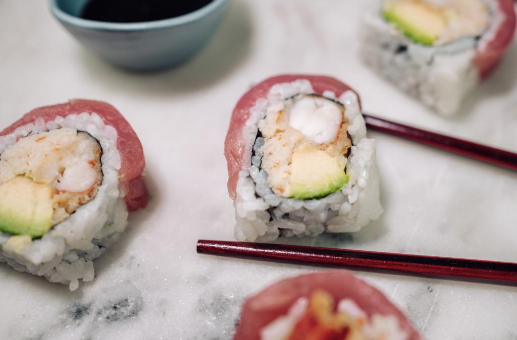 🎉 Wir verlosen eine leckere Box für 2 mit Sushi, Suppe & Co. vom Maral Restaurant.
