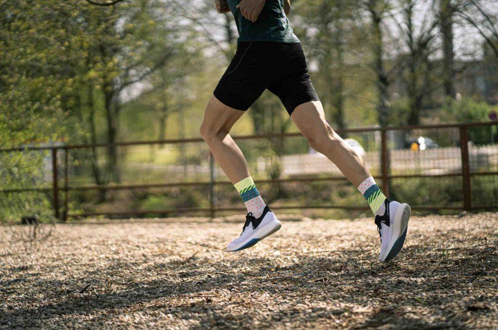 🎉 Wir verlosen 4 x 2 Paar Socken von INCYLENCE fürs Running & Rennradfahren.